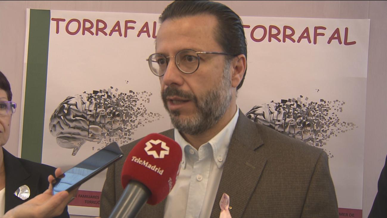 Los madrileños podrán deducirse 500 euros en el IRPF por el cuidado de familiares