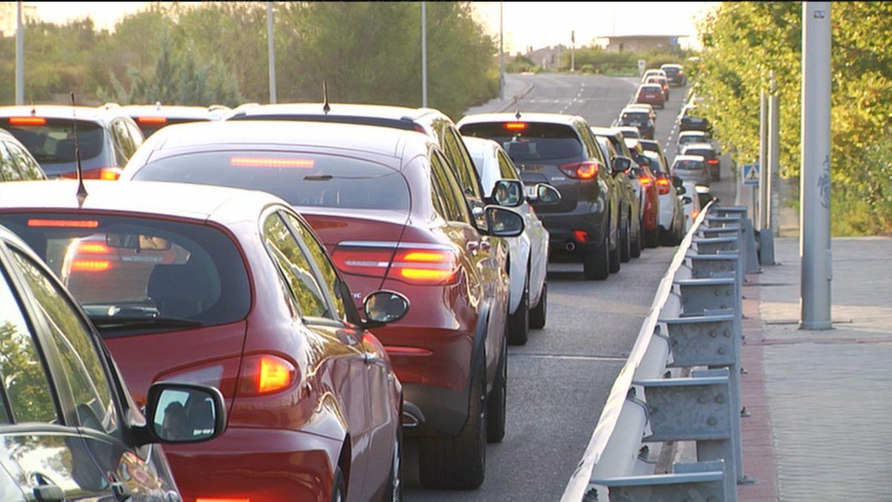 Los atascos en la M-607 siguen provocando las quejas de los conductores