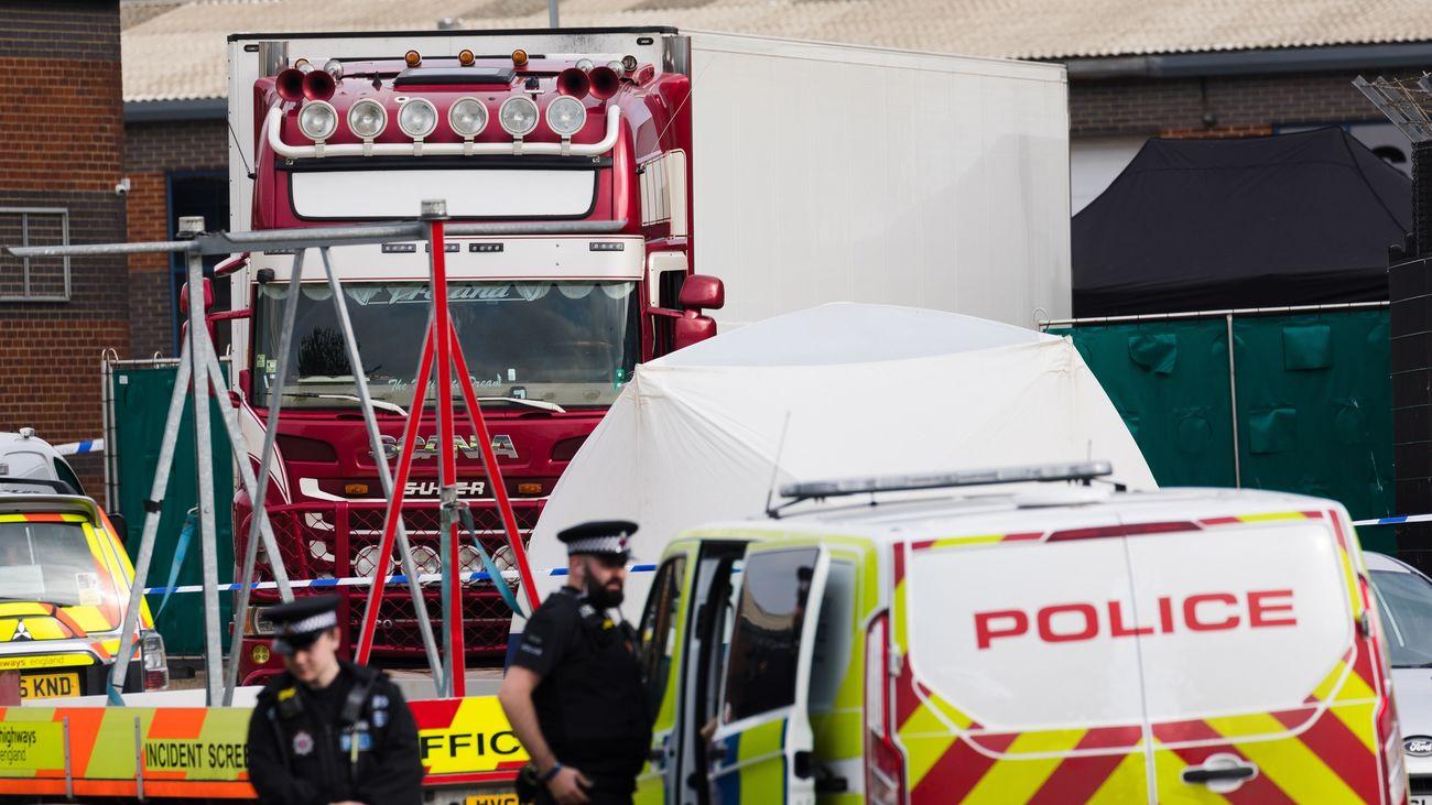 Las 39 personas halladas muertas y congeladas en un camión en Essex eran chinas