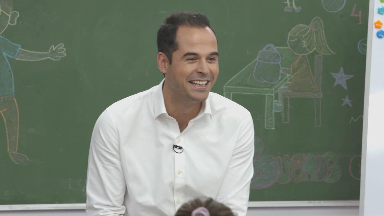 El vicepresidente Ignacio Aguado vuelve al cole