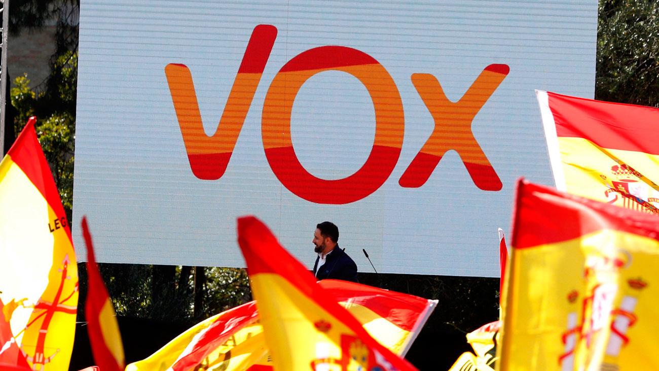 """Abascal reprocha a PP y Cs sus """"paños calientes"""" en la defensa de España"""