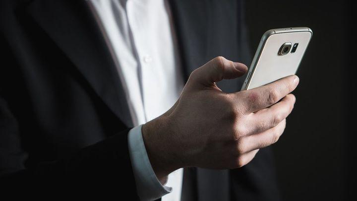 ¿Cómo debes utilizar el Whatsapp en los grupos de trabajo?