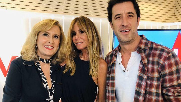 """Lara Dibildos y César Lucendo estrenan la cuarta temporada de """"El contador del amor"""""""