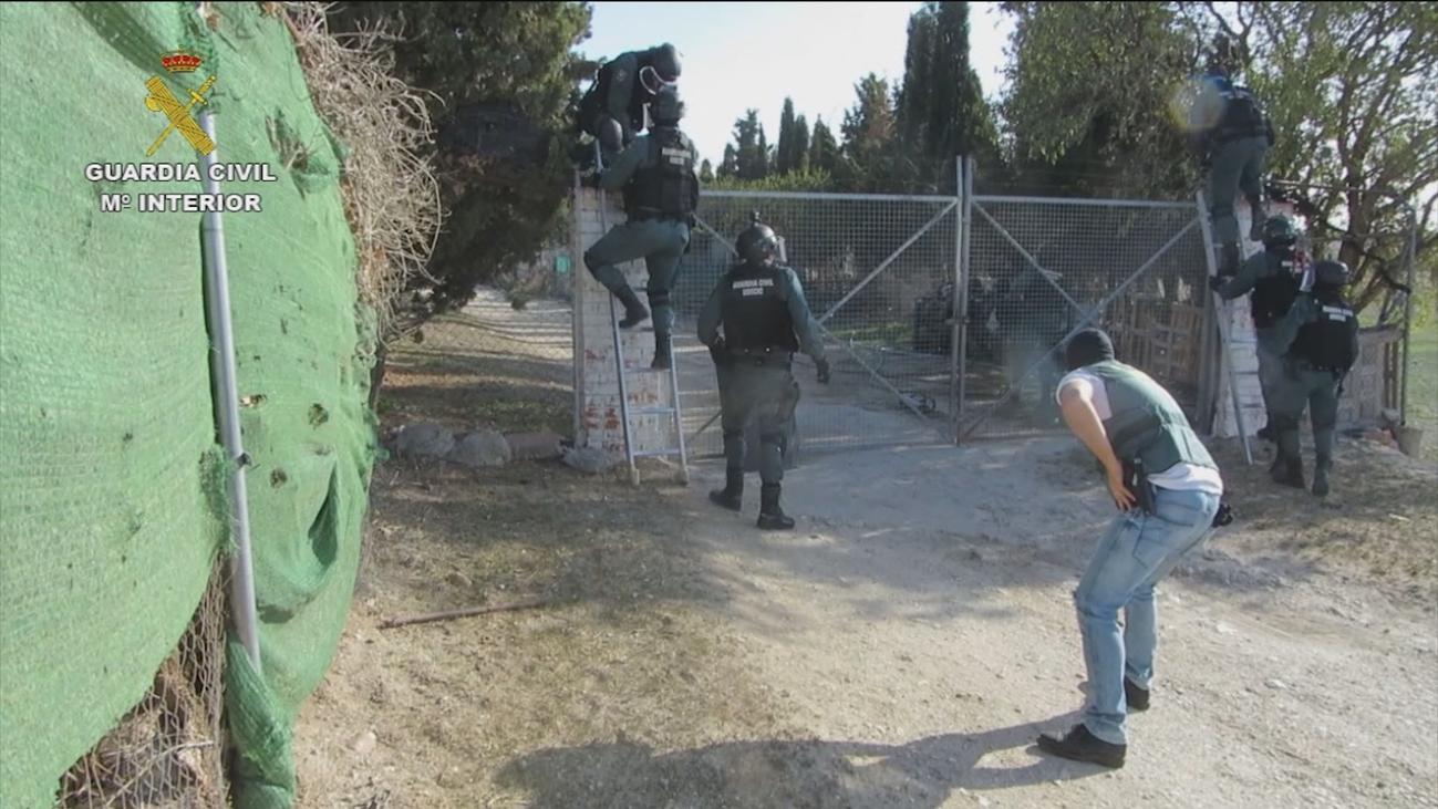 Así ocultaban una tonelada de marihuana en una finca de Valdemoro
