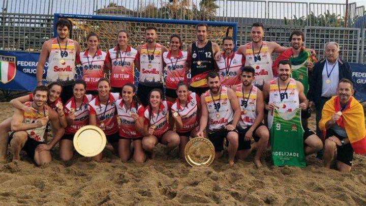 Javier Holts y Hugo Madera, campeones de Europa en balonmano playa