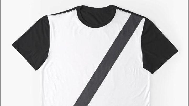 Aviso por las camisetas que simulan llevar puesto el cinturón de seguridad