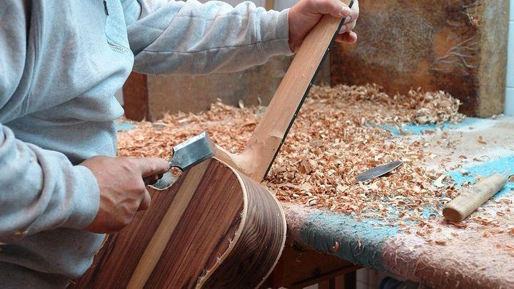 El Cazatalentos: un luthier moderno