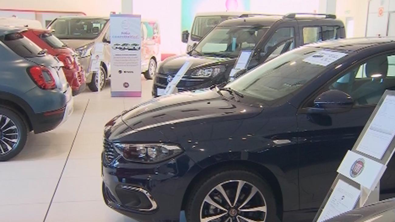 Los concesionarios buscan dar salida a 100.000 vehículos de kilómetro cero acumulados