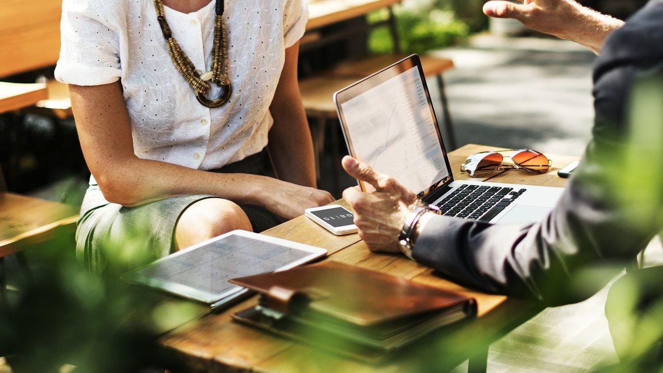 Orientación laboral: la diferencia entre enchufe y contacto