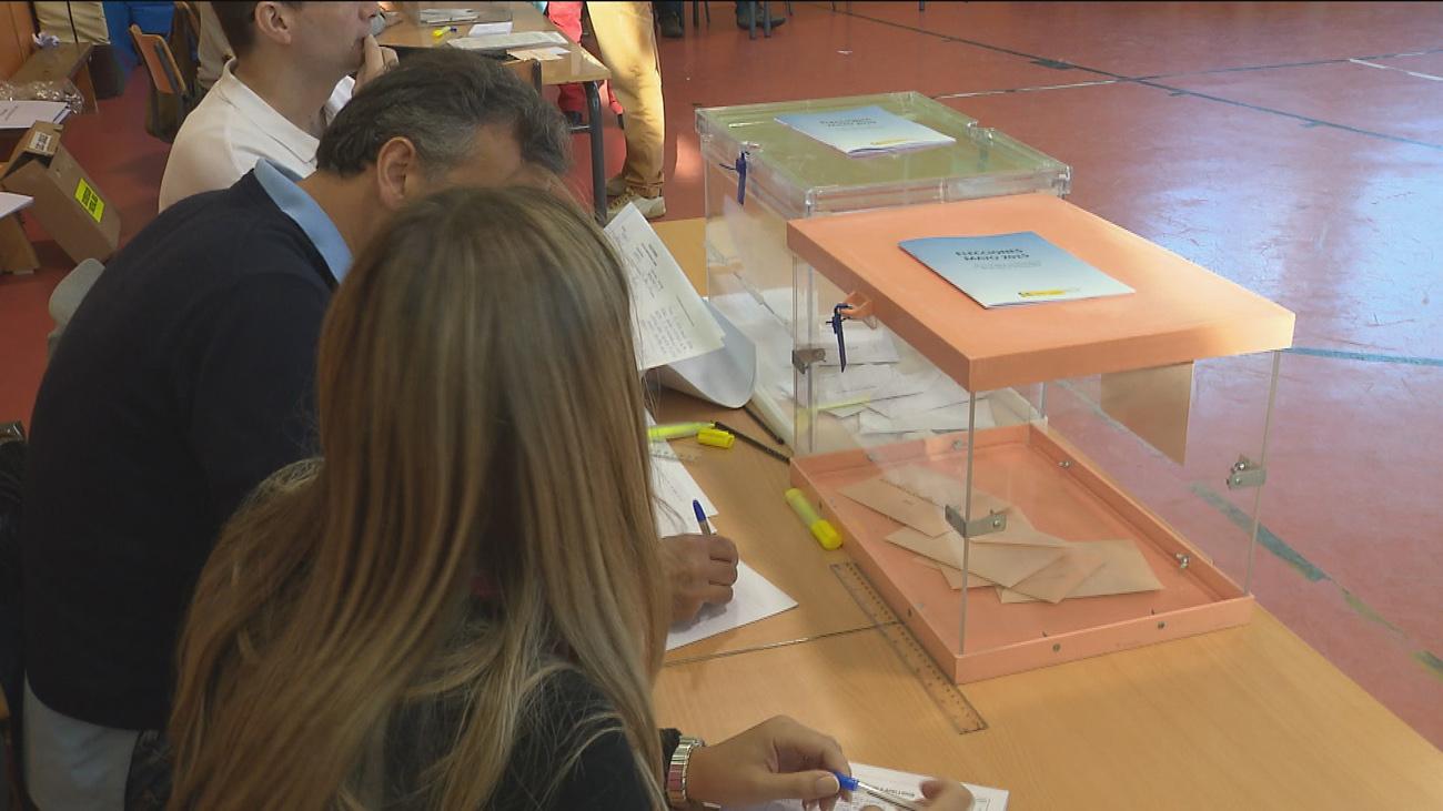 Los madrileños prefieren votar al mediodía, junto al aperitivo