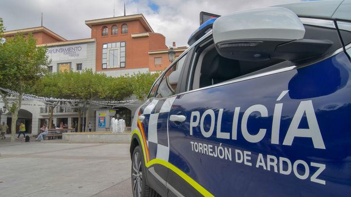 La Policía Local de Torrejón evita la ocupación de varias viviendas