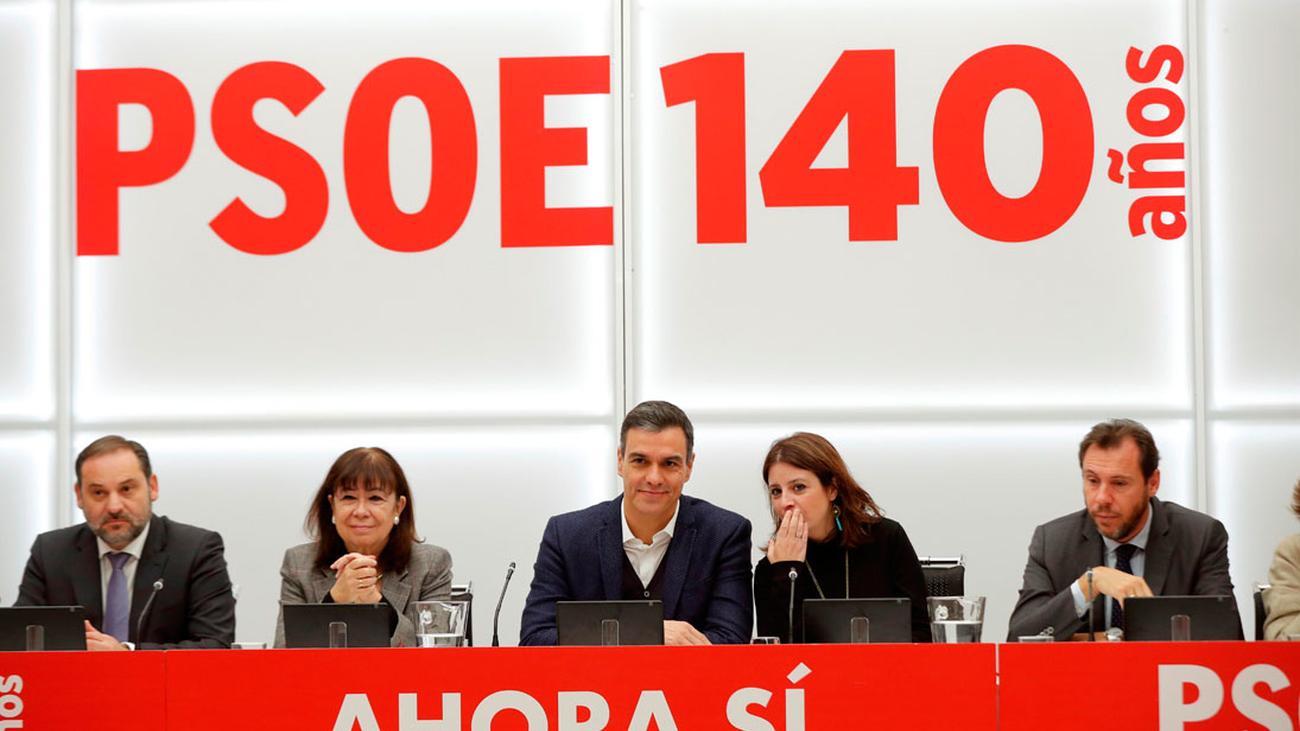 Sánchez pide a su Ejecutiva, un voto de confianza para los pactos