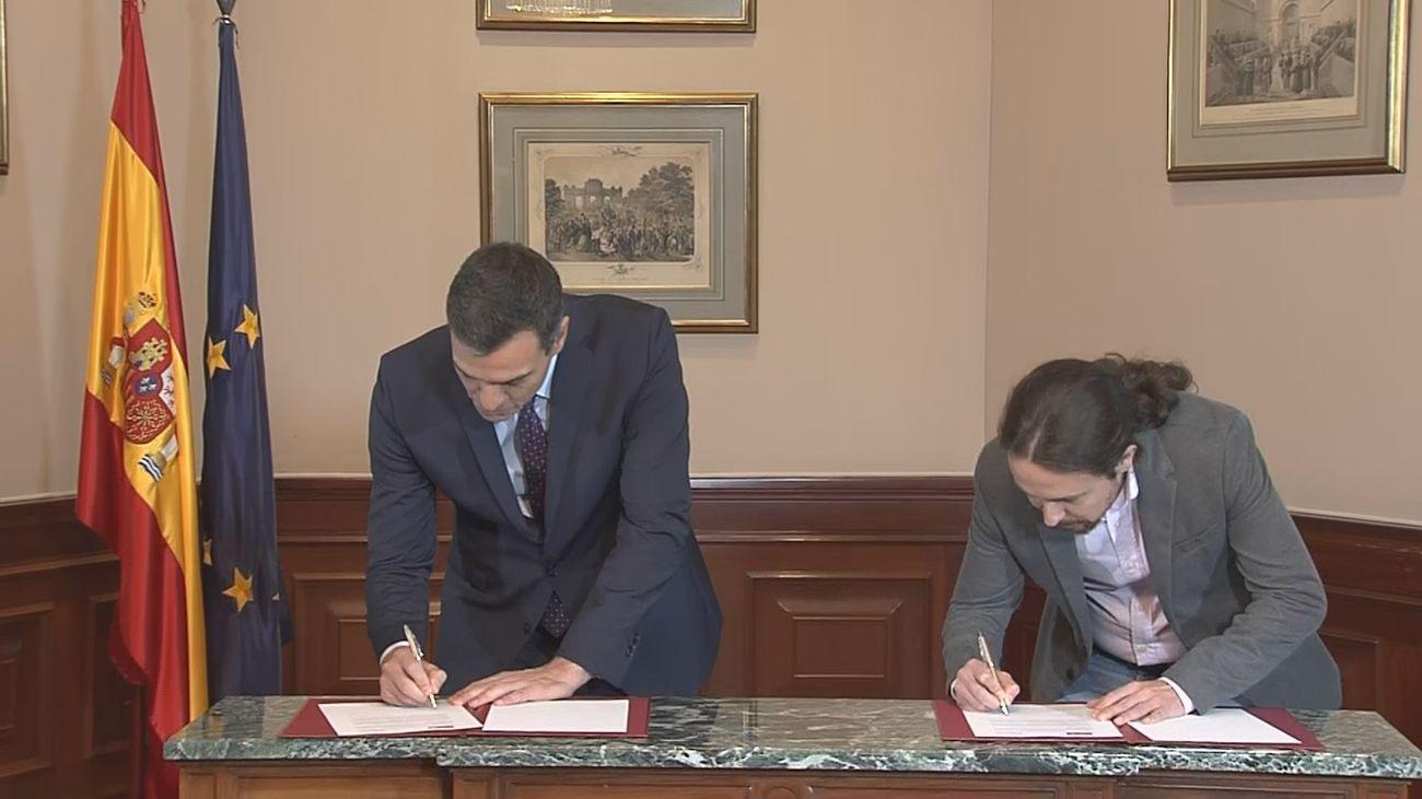 Sánchez e  Iglesias firman su acuerdo