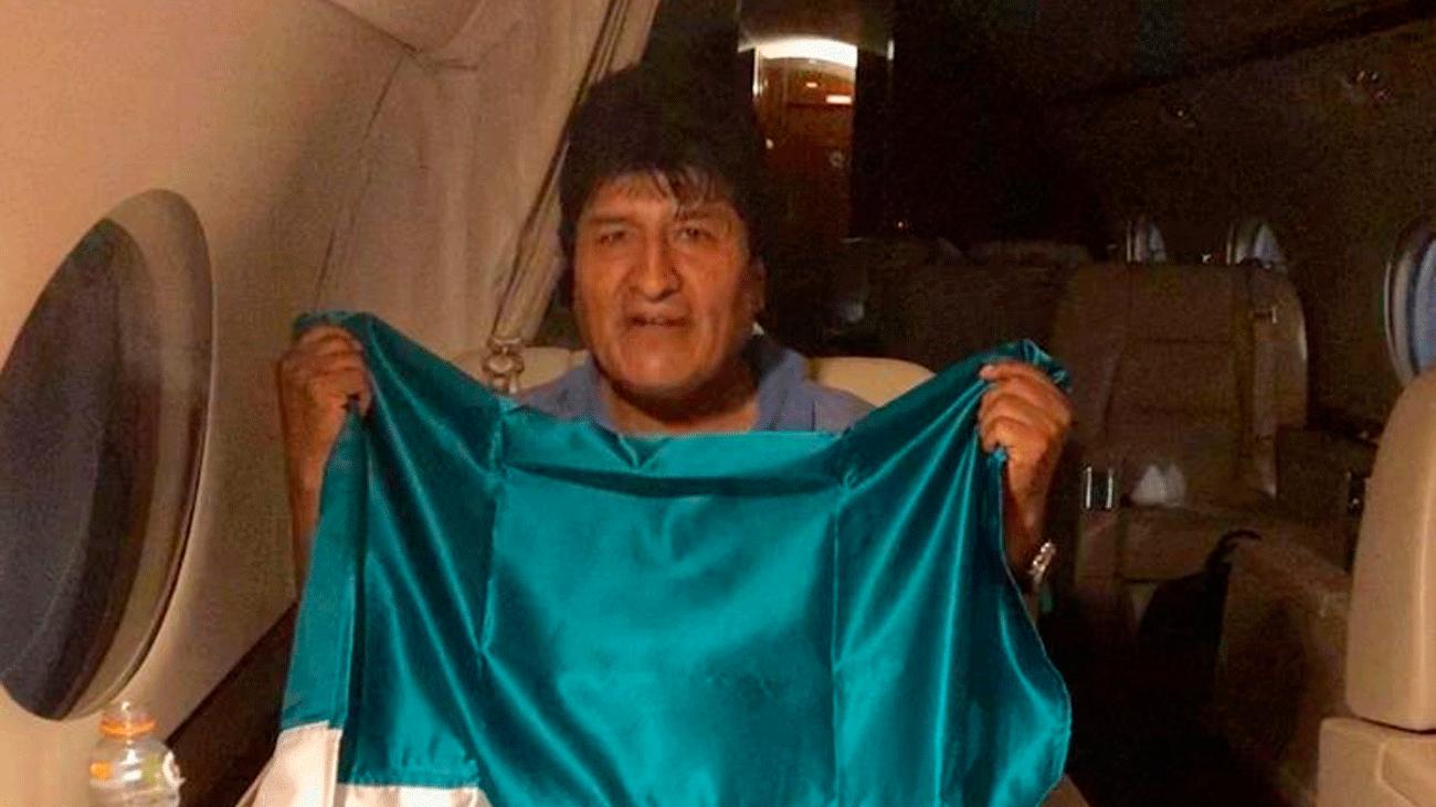 Evo Morales abandona Bolivia camino a México