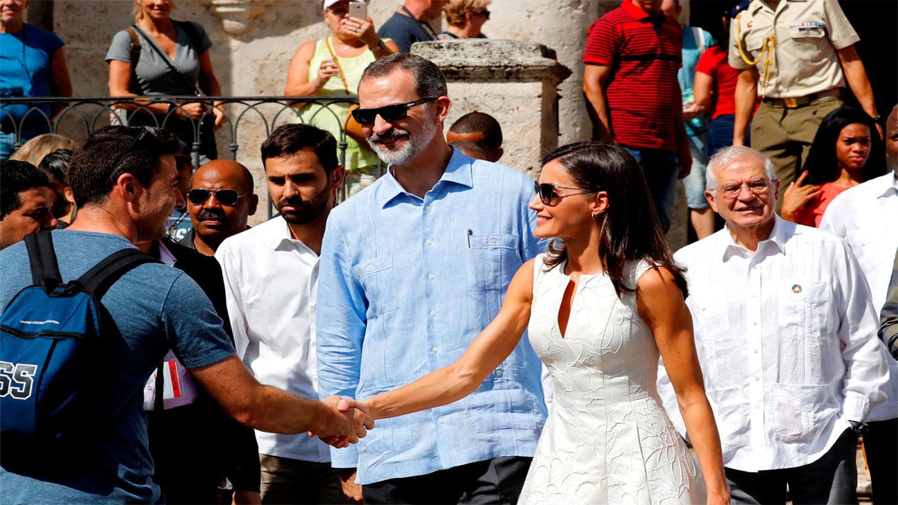 Los reyes pasean por la Habana Vieja en su primera visita de Estado a Cuba