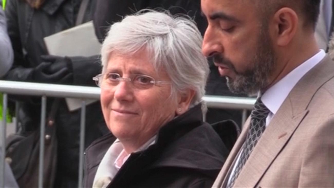 La exconsejera catalana Clara Ponsatí se entrega en Edimburgo