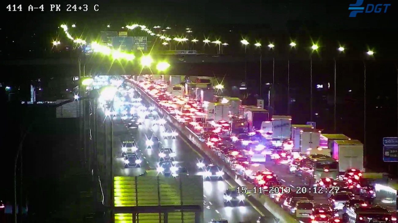 Un accidente de tráficoen la  A-4 a la altura de Valdemoro mantiene cortada la autovía en sentido Madrid