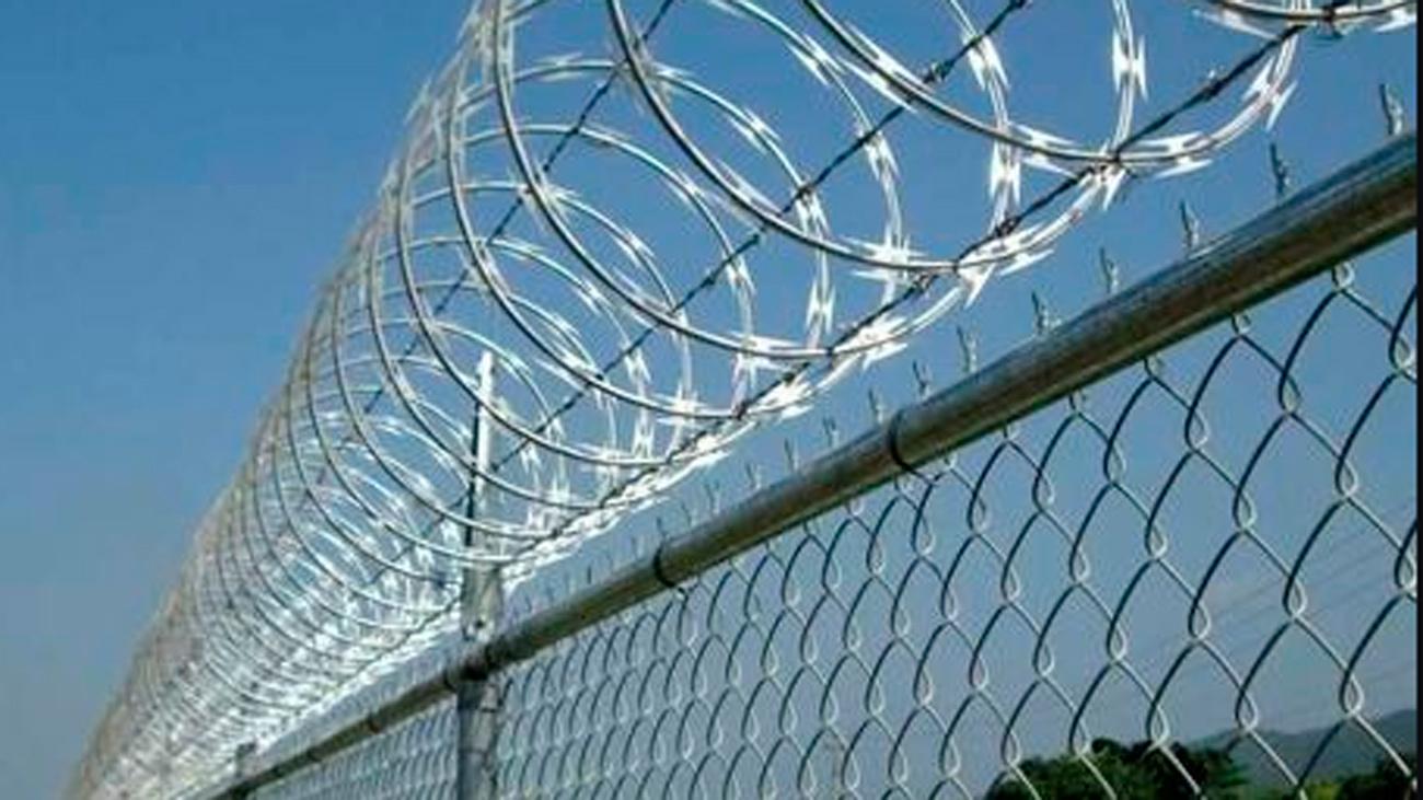 Interior anuncia la retirada de las concertinas de las vallas de Ceuta y Melilla antes de fin de mes