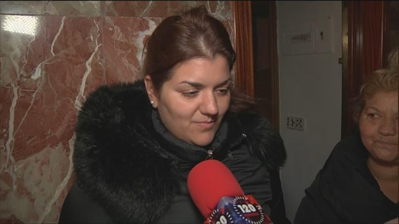 """Desahuciada una familia con dos menores en Carabanchel: """"La única solución que nos han ofrecido es la fría calle"""""""