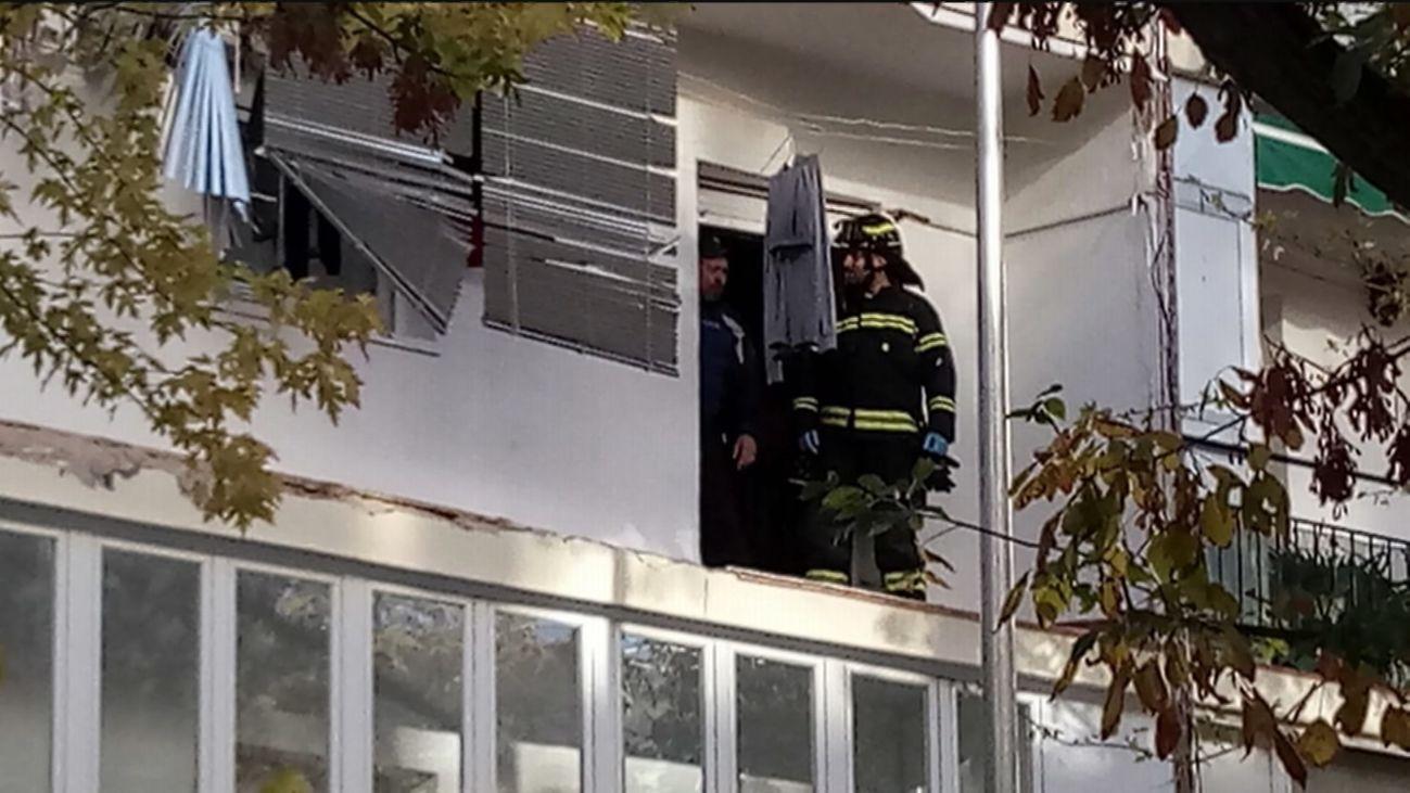 Un mujer herida con quemaduras en ambas manos al explotar una cocina eléctrica