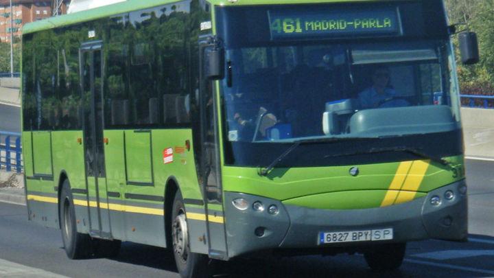 Parla pide 'paradas antiacoso' en autobuses nocturnos para mujeres