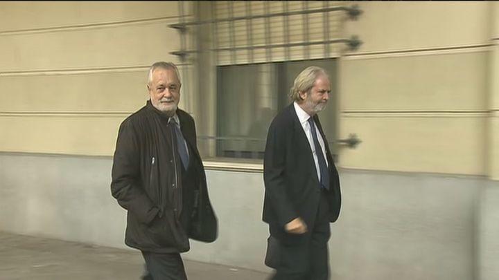 Griñán es condenado a 6 años de cárcel y Chaves a 9 años de inhabilitación por el 'caso ERE'