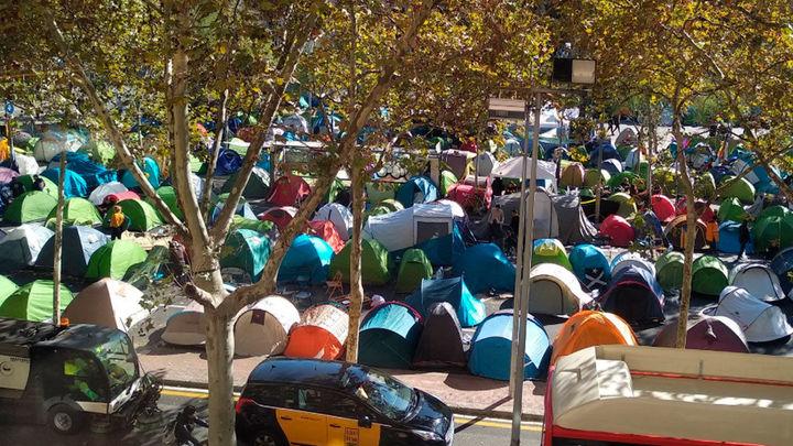 Identificado un joven relacionado con una violación en la acampada de Barcelona
