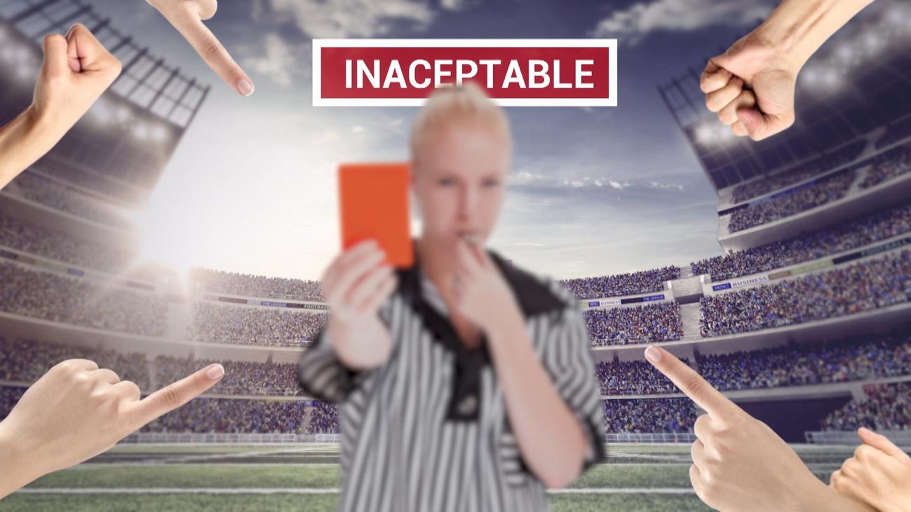 Bochornosos insultos a una árbitro en San Lorenzo de El Escorial
