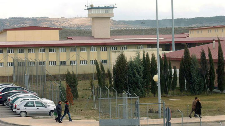 La terapia asistida con animales llega a la cárcel de Aranjuez