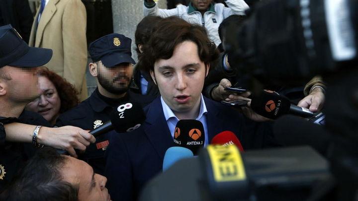 Detenido el 'pequeño Nicolás' por intentar apuñalar a un camarero en Azca