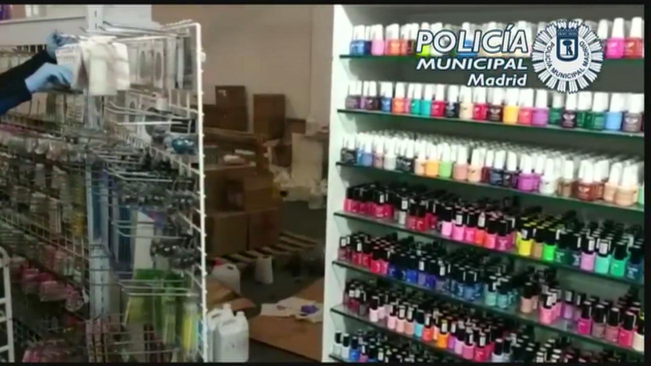 Localizado en Puente de Vallecas un local sin licencia de productos de uñas cancerígenos