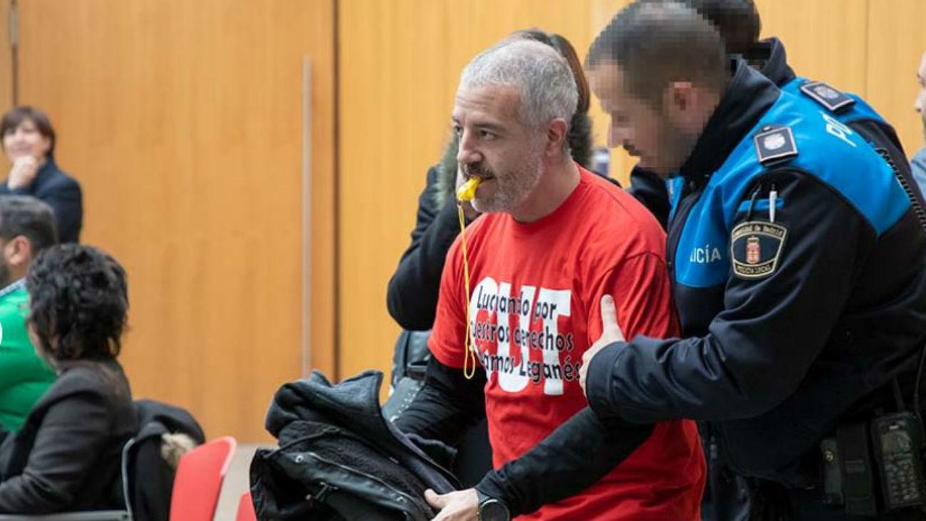 Desalojo del Pleno de Leganés (Foto: www.leganews.es)