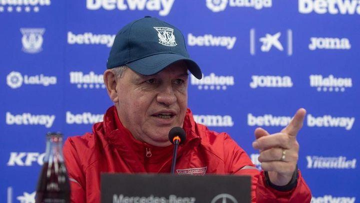"""Aguirre: """"Cualquiera daría un dedo por jugar contra el Barça"""""""