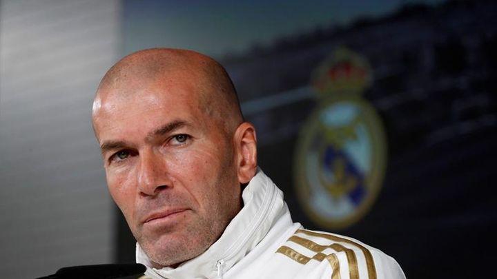 """Zidane no piensa en su futuro: """"Puedes firmar 10 años y mañana estar fuera"""""""