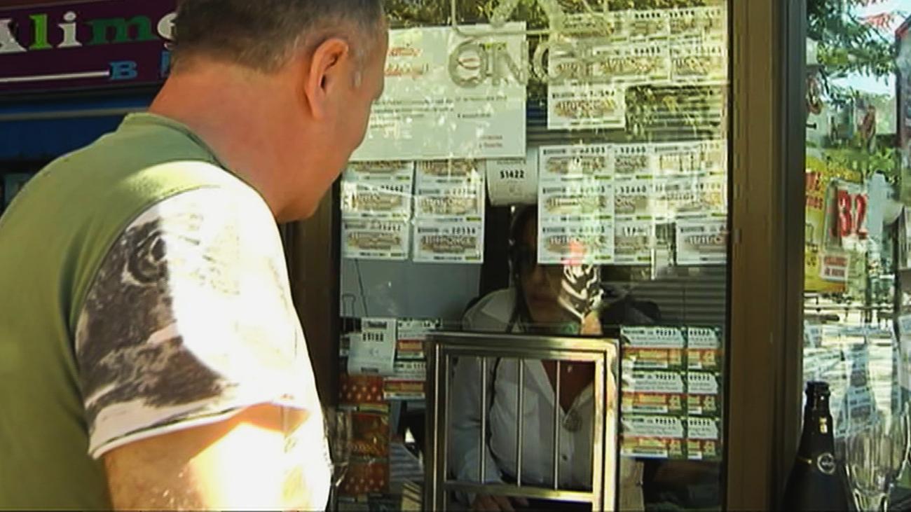 Un vendedor de cupones de la Once aparece muerto en su quiosco de Chamberí