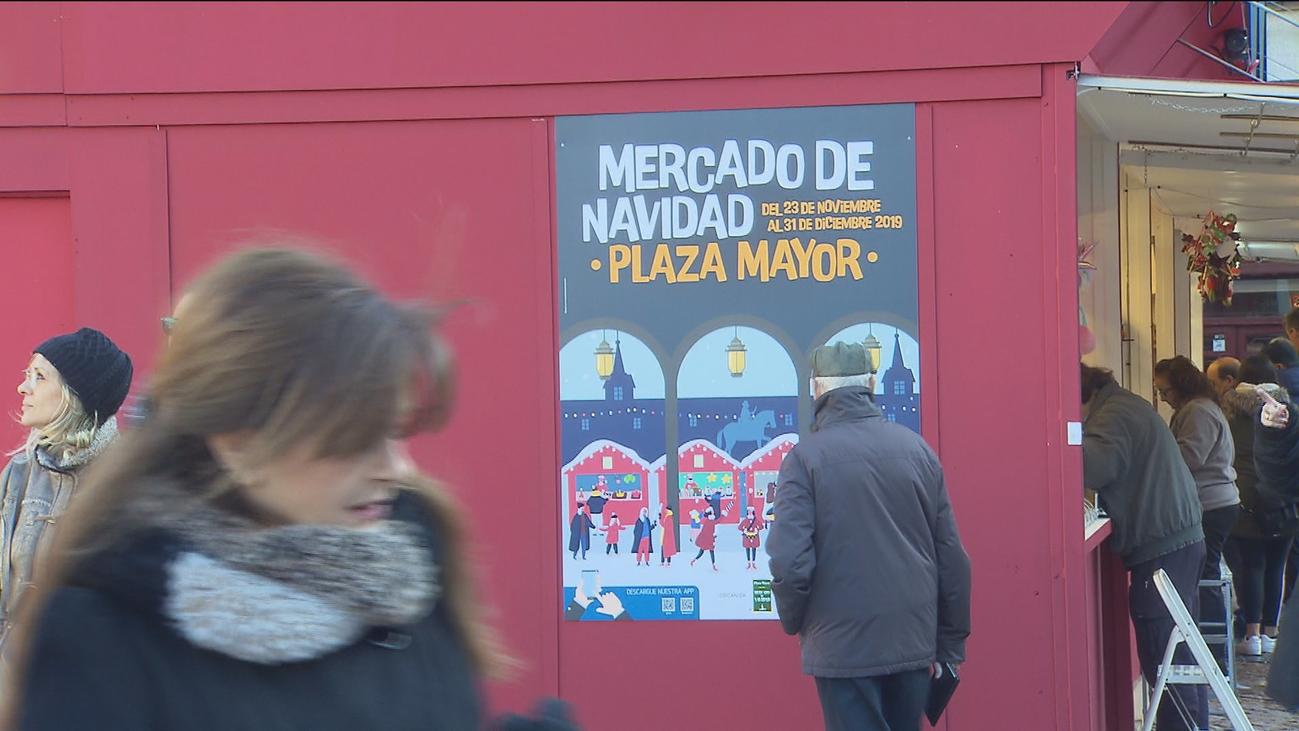 Pistoletazo de salida al mercadillo navideño de la Plaza Mayor