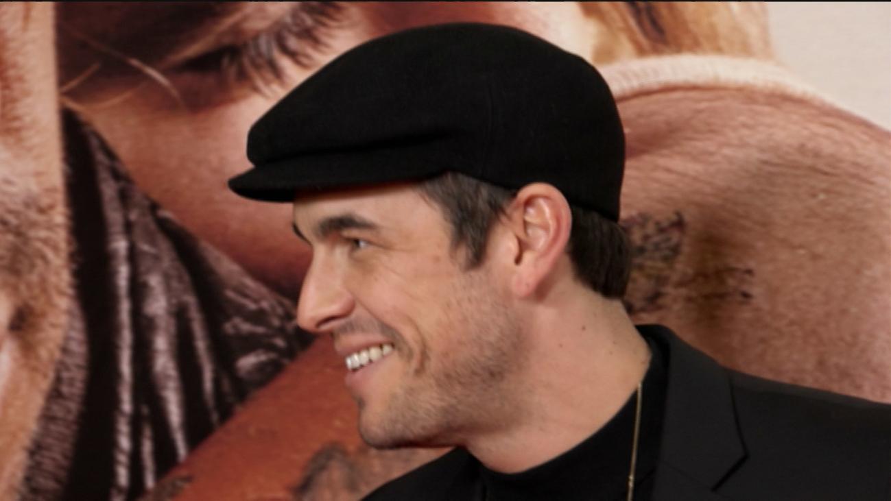 """Mario Casas se emociona al hablar de su padre: """"Me lo ha enseñado todo"""""""