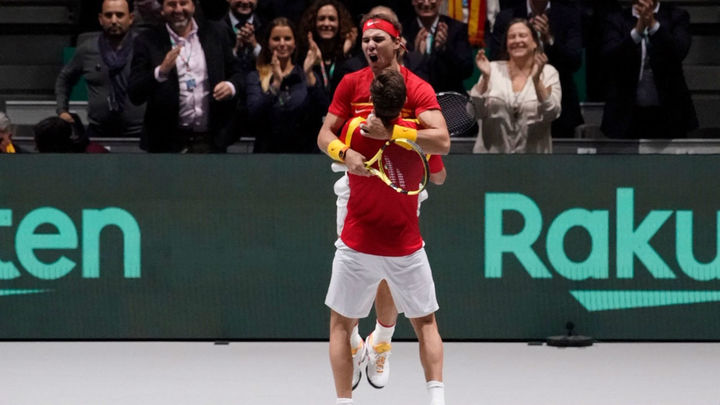 España se impone a Gran Bretaña y peleará por su sexta Copa Davis
