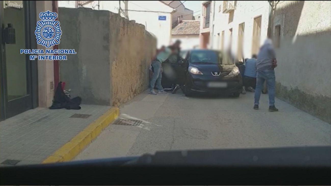 Desmantelas dos bandas de atracadores de bancos en Madrid