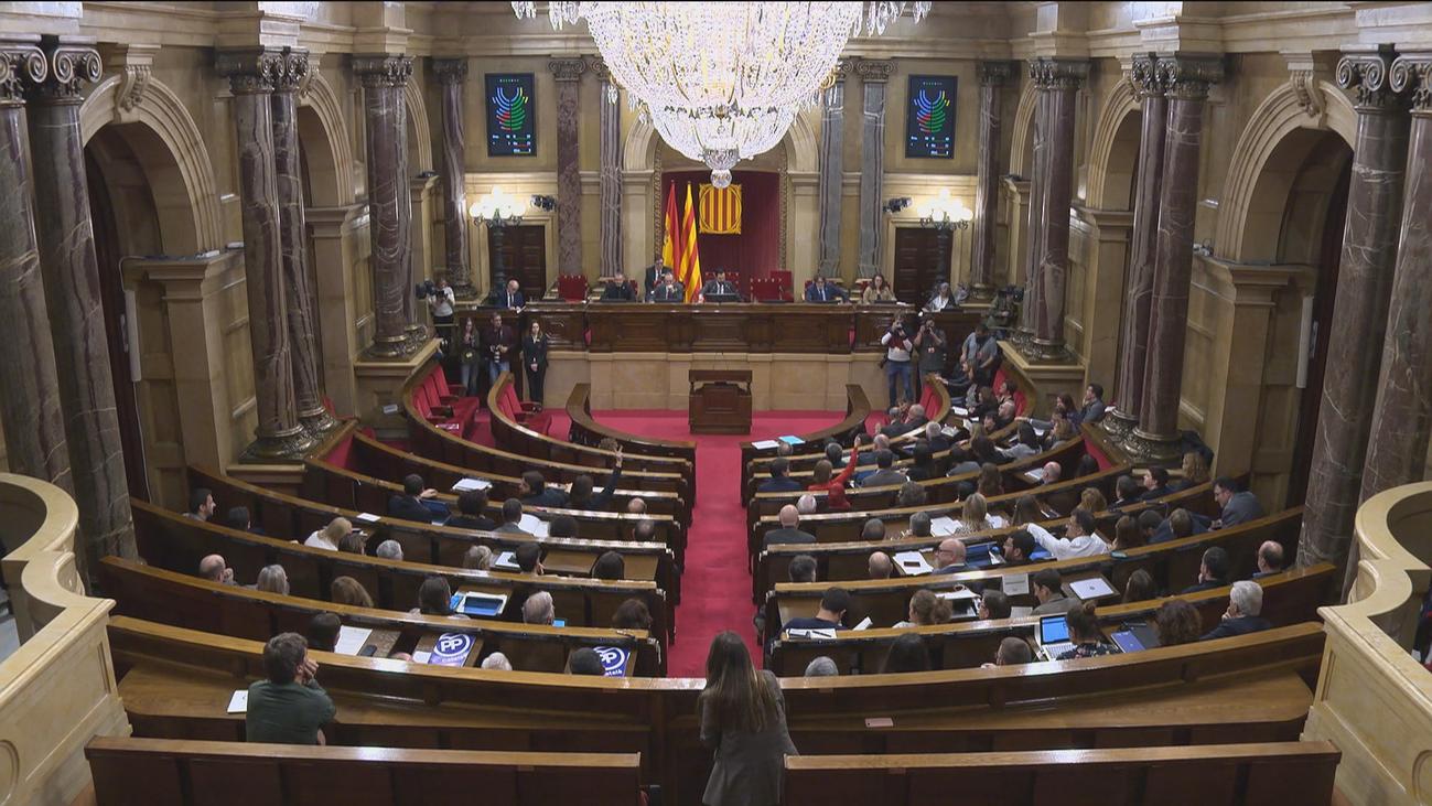 El Parlament reivindica poder votar la autodeterminación pese al Constitucional