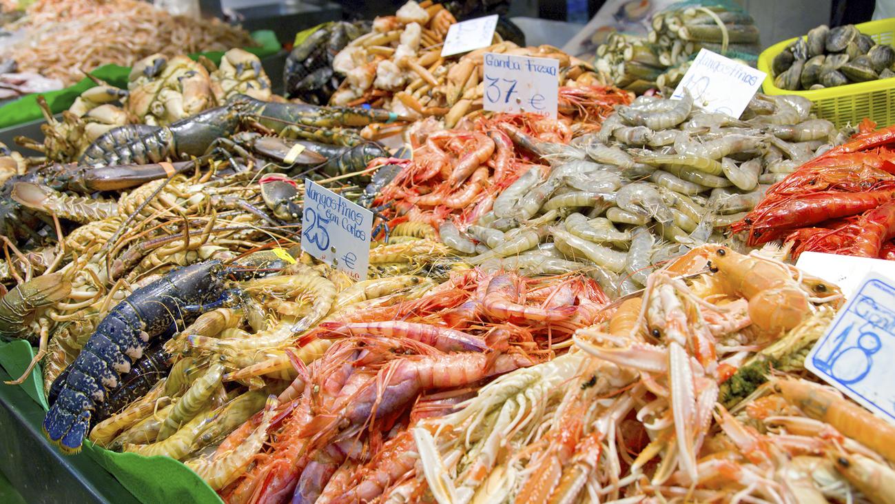 ¿Es mejor adelantar la compra de marisco, pescado o carne de cara a la Navidad?
