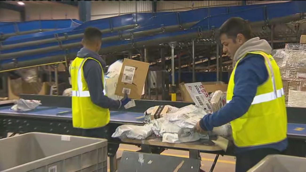 Los envíos de paquetes por correo en Madrid aumentan por el Black Friday