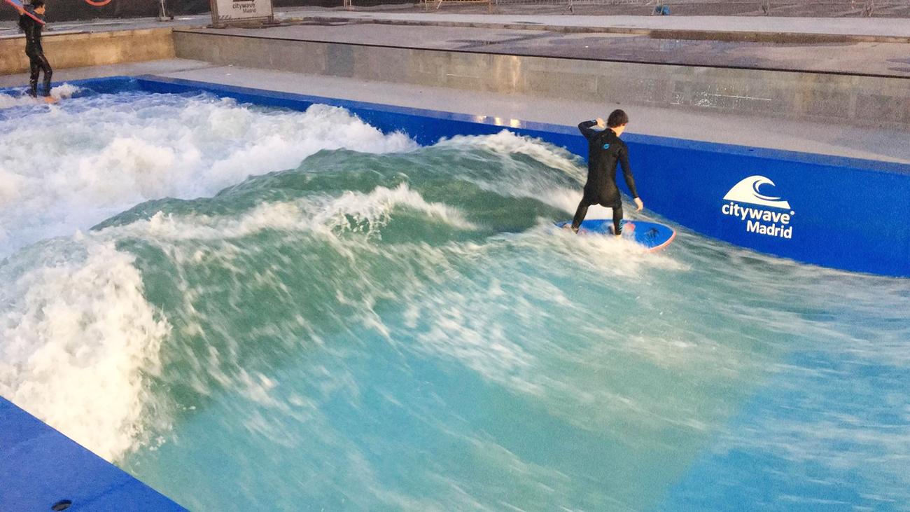 Practicar surf en Madrid ya es posible