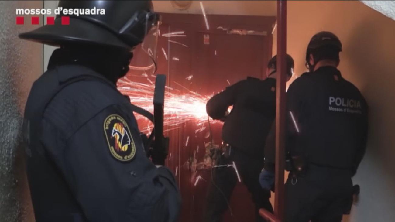 Unos 40 detenidos en un golpe de los Mossos al narcotráfico en Badalona