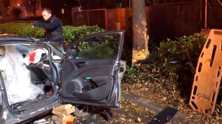 Seis heridos al estrellarse un coche contra un árbol en Alcalá de Henares