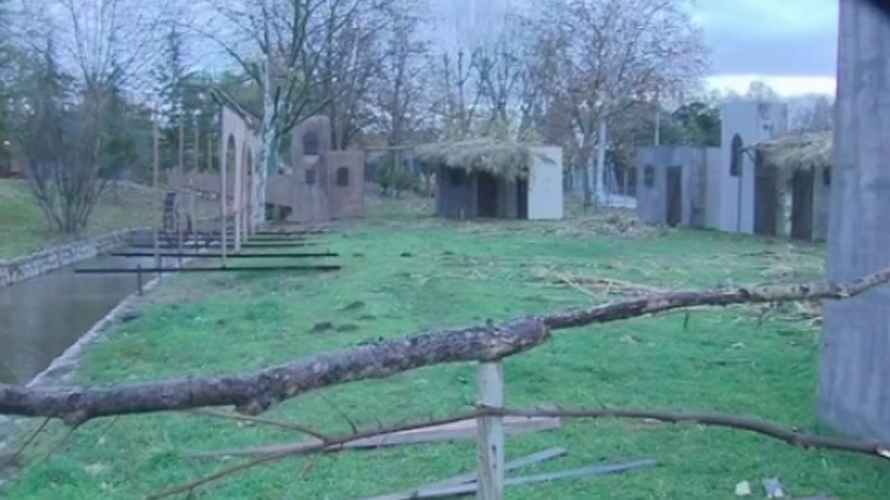 El alcalde de Alalpardo asegura que se repondrán los decorados destrozados del Belén Viviente