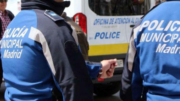 Un detenido y más de 15.000 productos falsificados intervenidos en Lavapiés