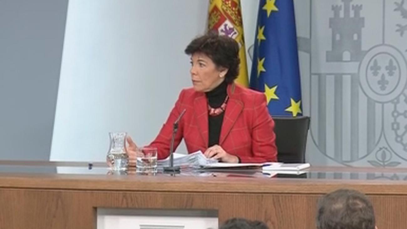 """Celaá defiende que Sánchez """"no dio por hecho"""" un acuerdo que ha despertado recelos en ERC"""