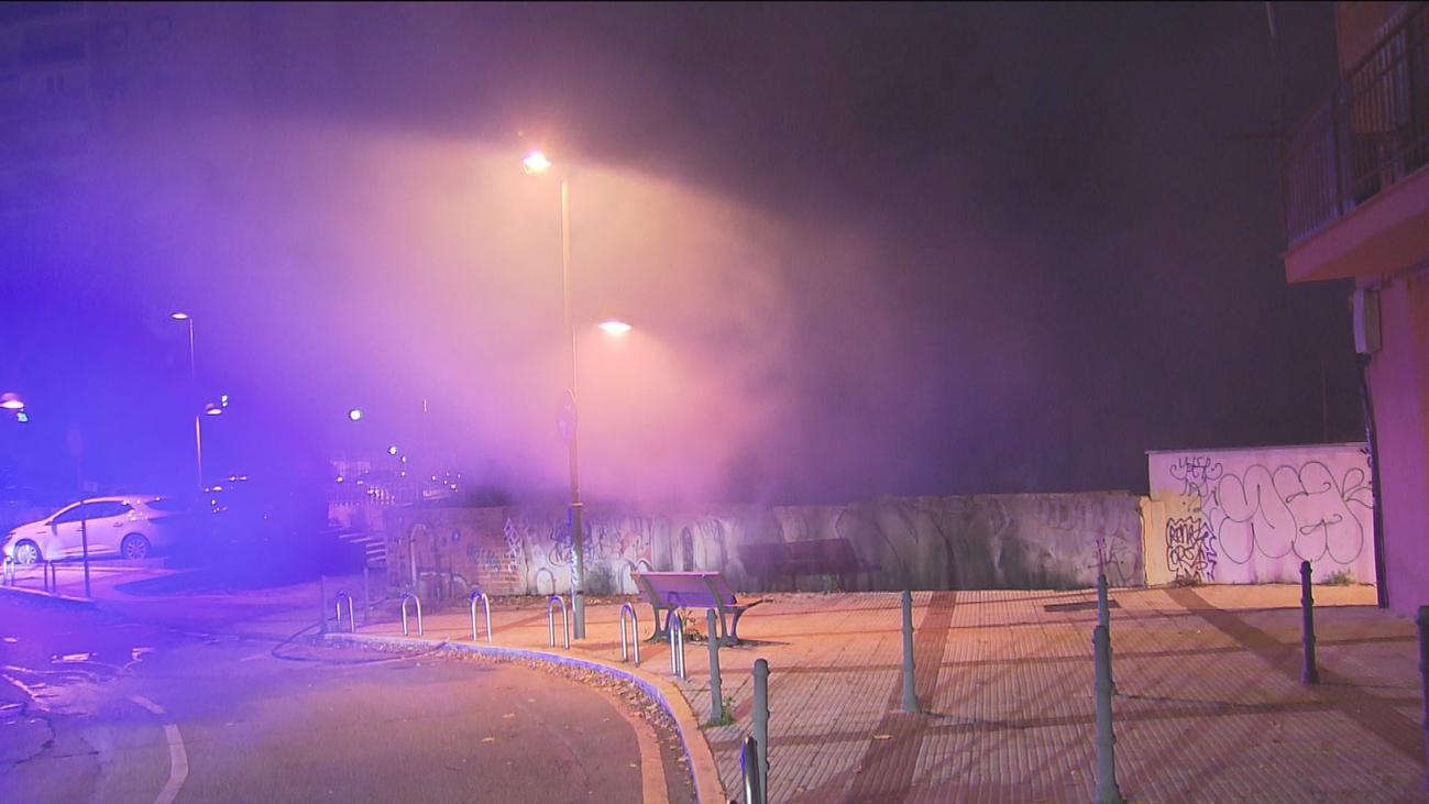 Una anciana intoxicada por humo en un incendio de infraviviendas de Coslada