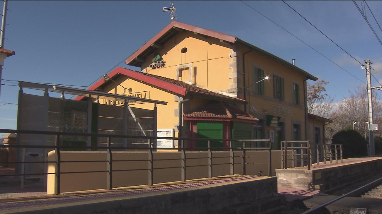 Renfe moderniza las estaciones de Robledo, Zarzalejo y Santa María